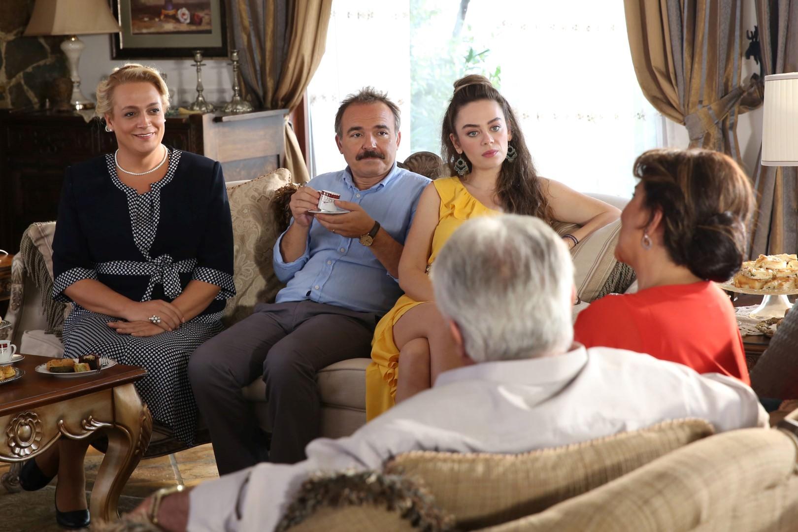 Aile Arasında